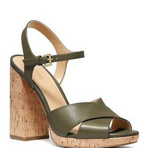 💥Michael Kors Alexia Platform Leather Sandals